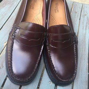 Women's Bass Weejuns Red Brown Leather Loafers 9.5